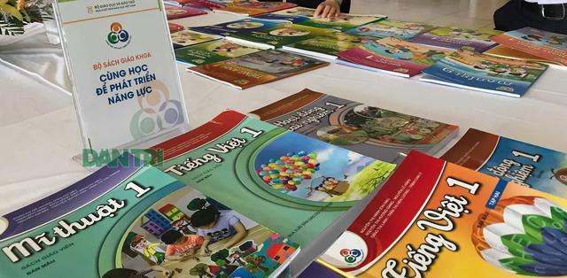 Chương trình phổ thông mới: Cơ sở giáo dục có quyền lựa chọn SGK lớp 1 - 1
