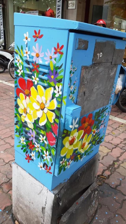 Sự thật đằng sau bức ảnh tài xế công nghệ ngồi vẽ tranh giữa đường phố Hà Nội - 5