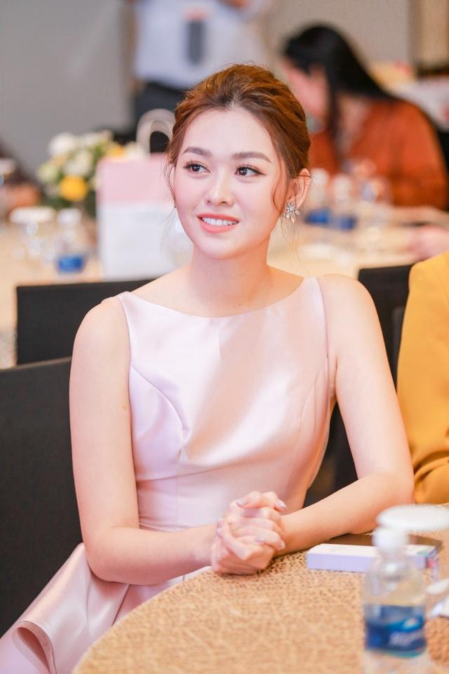 Tường San rạng rỡ xuất hiện sau thành tích Top 8 Hoa hậu Quốc tế - 2