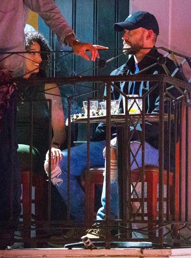 Justin Timberlake dính tin đồn tình tứ bạn diễn Alisha Wainwright - 1
