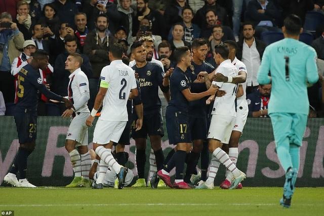 Real Madrid - PSG: Bại binh phục hận - 3