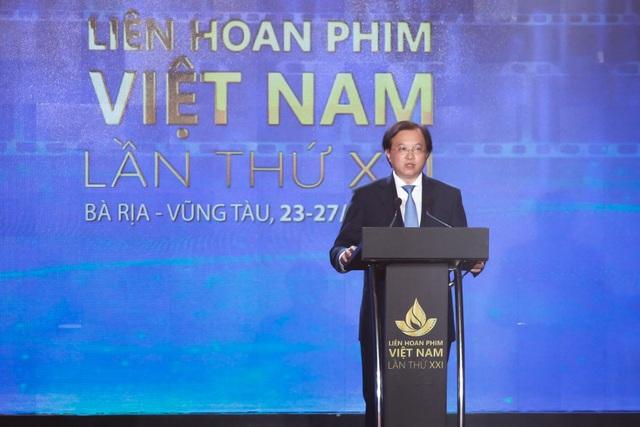 Xúc động cảnh vợ chồng nghệ sĩ gạo cội dìu nhau đến dự Liên hoan phim Việt Nam - 7