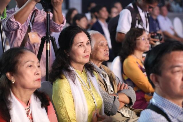 Xúc động cảnh vợ chồng nghệ sĩ gạo cội dìu nhau đến dự Liên hoan phim Việt Nam - 6