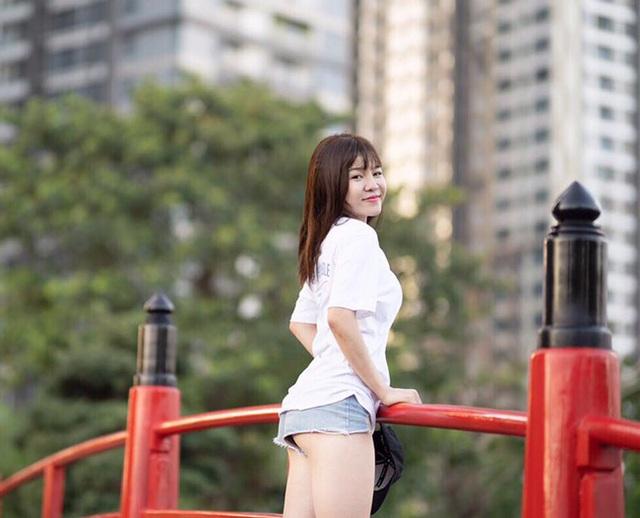 Bạn gái Lâm Tây nóng bỏng, gợi cảm trong mọi khoảnh khắc - 5