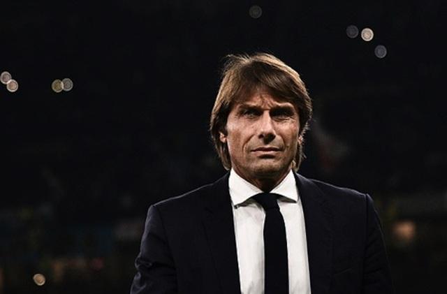 Lạ đời HLV Inter Milan hướng dẫn học trò cả chuyện phòng the - 1
