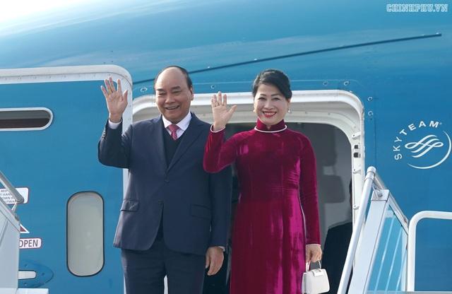 Thủ tướng đến Busan, bắt đầu chương trình tham dự Hội nghị cấp cao ASEAN-Hàn Quốc - 2