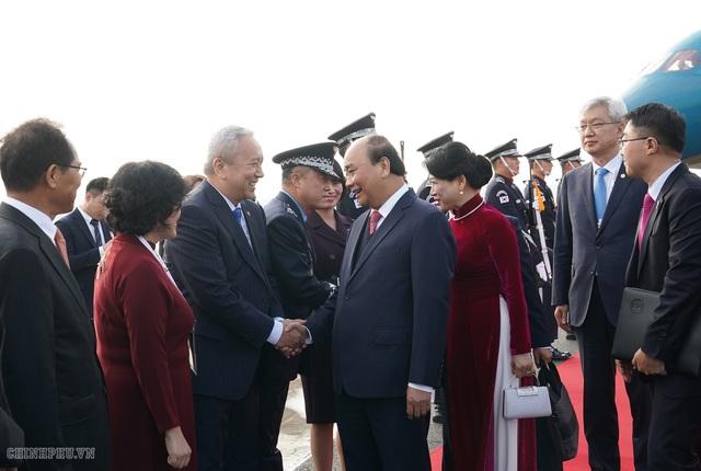 Thủ tướng đến Busan, bắt đầu chương trình tham dự Hội nghị cấp cao ASEAN-Hàn Quốc - 3