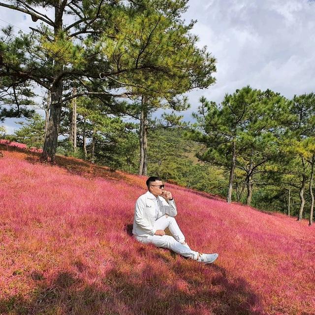 Tháng 11 về, lạc vào cánh đồng cỏ hồng đẹp như xứ sở thần tiên ở Đà Lạt - 1