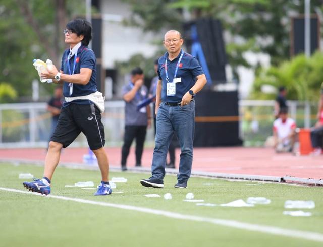 HLV Park Hang Seo lo nhất điều gì khi gặp U22 Lào?