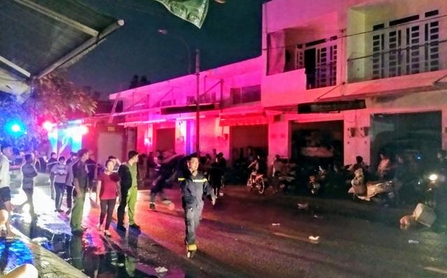Cháy lớn tại khu kinh doanh vải ở TPHCM - 2