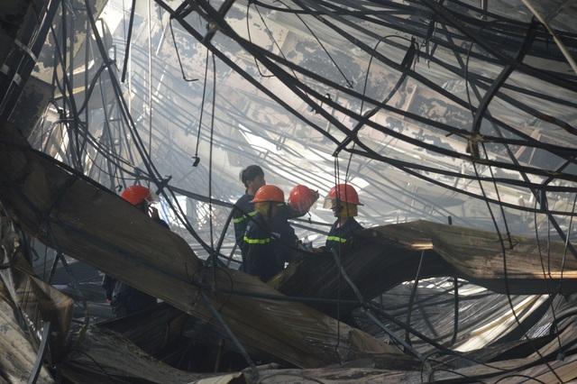 Những người lính cứu hỏa quả cảm trong vụ cháy Công ty may Nhà Bè - Sóc Trăng - 3