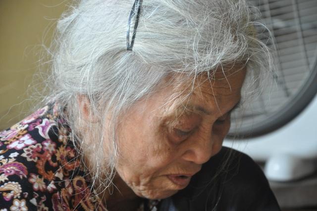 Thương 2 cụ tuổi 90 vẫn miệt mài ngồi đan cót lo từng bữa rau, bữa cháo cho con - 3