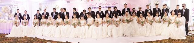 Xúc động đám cưới tập thể của 21 cặp đôi khiếm thị tại Hà Nội - 2