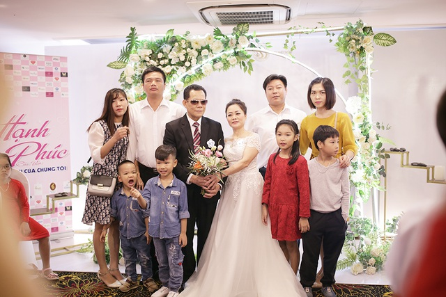 Xúc động đám cưới tập thể của 21 cặp đôi khiếm thị tại Hà Nội - 6