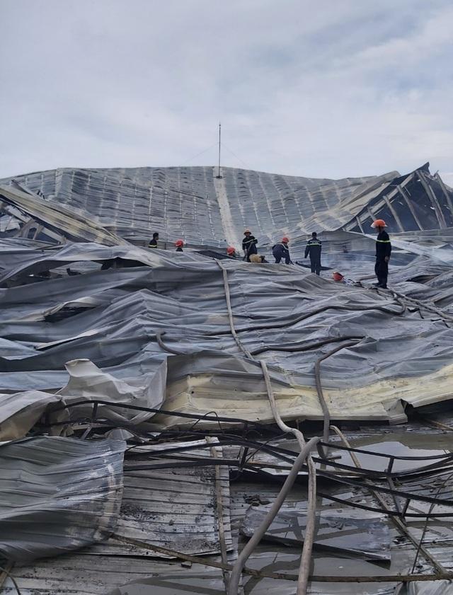 Những người lính cứu hỏa quả cảm trong vụ cháy Công ty may Nhà Bè - Sóc Trăng - 8