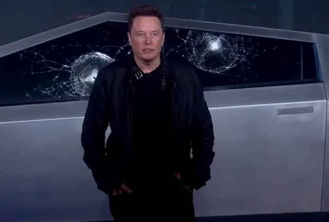 Xem lại pha trình diễn với xe bán tải Tesla Cybertruck đã khiến Elon Musk mất trắng 768 triệu USD - 1
