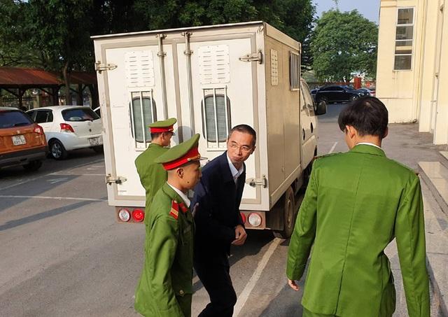 Ông Trương Minh Tuấn vắng mặt, hoãn phiên tòa xử thuộc cấp - 6