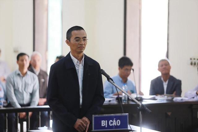 Ông Trương Minh Tuấn vắng mặt, hoãn phiên tòa xử thuộc cấp - 8