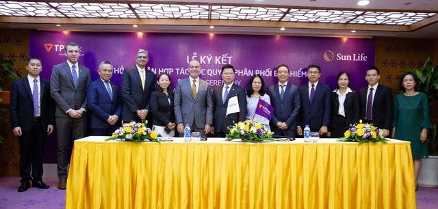 TPBank ký kết hợp đồng bảo hiểm độc quyền với Sun Life Việt Nam - 2