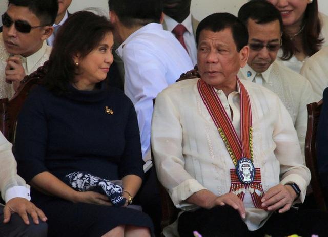 Vừa nâng lên, ông Duterte thẳng tay hạ cấp phó xuống - 1