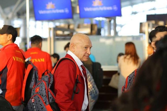 Đoàn thể thao Việt Nam háo hức lên đường dự SEA Games - 2