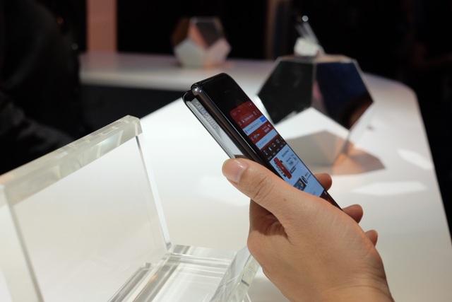 Galaxy Fold chính thức ra mắt tại Việt Nam, giá từ 50 triệu đồng - 7