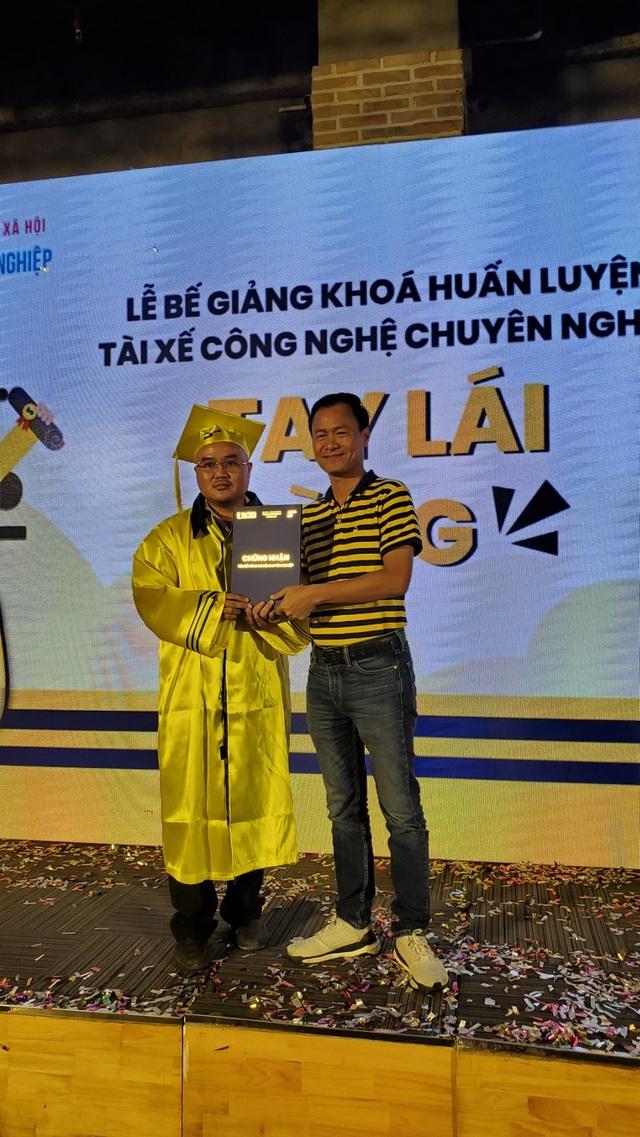 Lần đầu tiên tài xế công nghệ Việt Nam được chứng nhận tài xế công nghệ chuyên nghiệp - 2