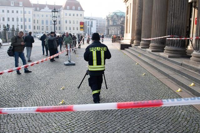 Vụ trộm chấn động thế giới: Kho báu trị giá 1,1 tỷ USD bị trộm từ bảo tàng nước Đức - 1