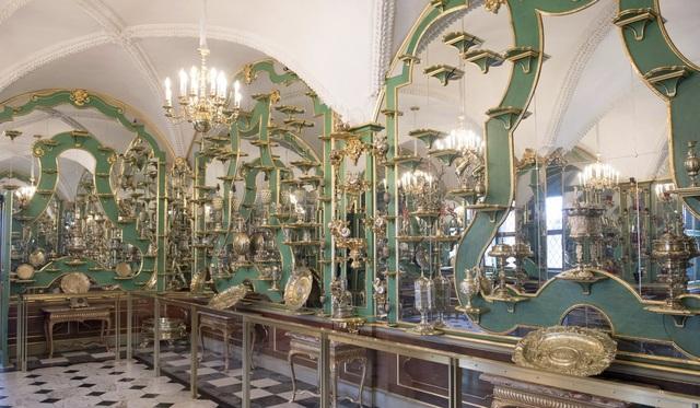Vụ trộm chấn động thế giới: Kho báu trị giá 1,1 tỷ USD bị trộm từ bảo tàng nước Đức - 2