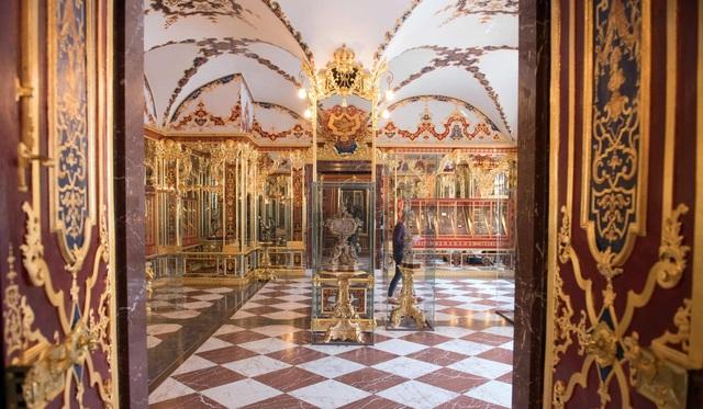 Vụ trộm chấn động thế giới: Kho báu trị giá 1,1 tỷ USD bị trộm từ bảo tàng nước Đức - 3