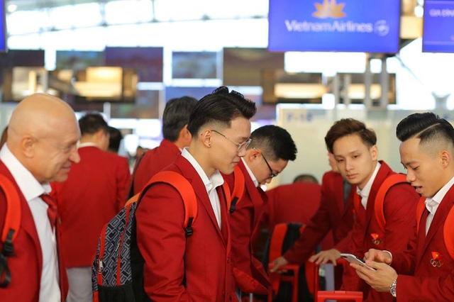 Đoàn thể thao Việt Nam háo hức lên đường dự SEA Games - 1