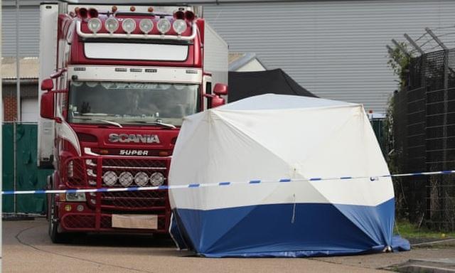 Thêm một nghi phạm bị bắt vụ 39 thi thể người Việt tại Anh - 1