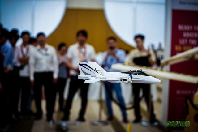 Thích thú với thiết bị dẫn đường của ngành quản lý bay - 9