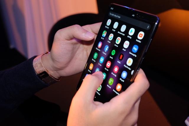Galaxy Fold chính thức ra mắt tại Việt Nam, giá từ 50 triệu đồng - 5
