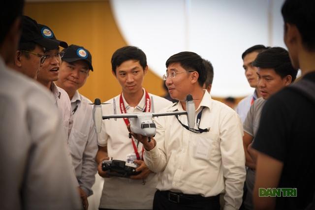Thích thú với thiết bị dẫn đường của ngành quản lý bay - 12