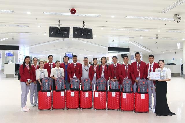 Đoàn thể thao Việt Nam háo hức lên đường dự SEA Games - 6
