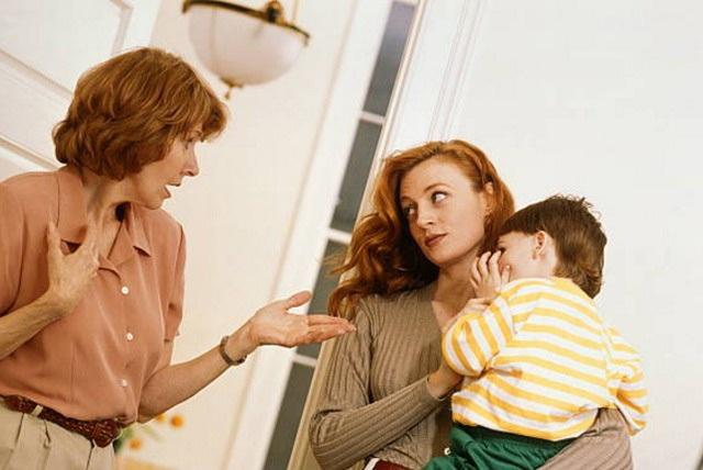Những lỗi của mẹ chồng mà nàng dâu khó lòng tha thứ - 1