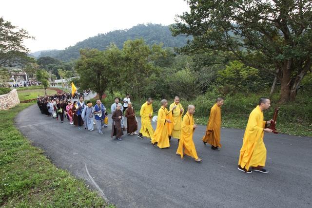 Hơn 5000 Phật tử về Yên Tử dự lễ tưởng niệm Phật hoàng Trần Nhân Tông - 5
