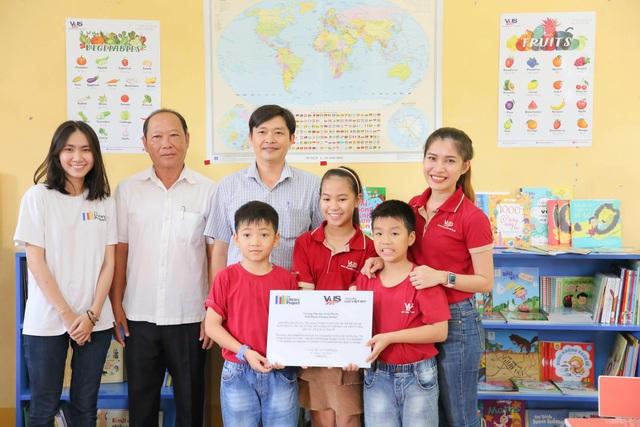 Anh văn Hội Việt Mỹ tặng thêm 2 thư viện cùng 3.000 sách mới cho các em học sinh tại An Giang - 1
