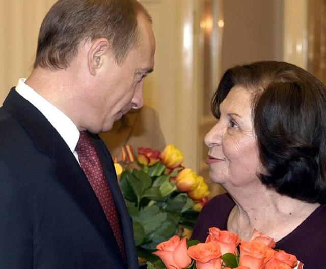 Nữ điệp viên Liên Xô từng phá âm mưu ám sát 3 lãnh đạo thế giới qua đời - 2