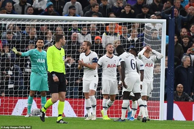 Bayern Munich đại thắng 6-0, Tottenham thăng hoa cùng HLV Mourinho - 5