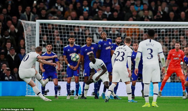 Bayern Munich đại thắng 6-0, Tottenham thăng hoa cùng HLV Mourinho - 9