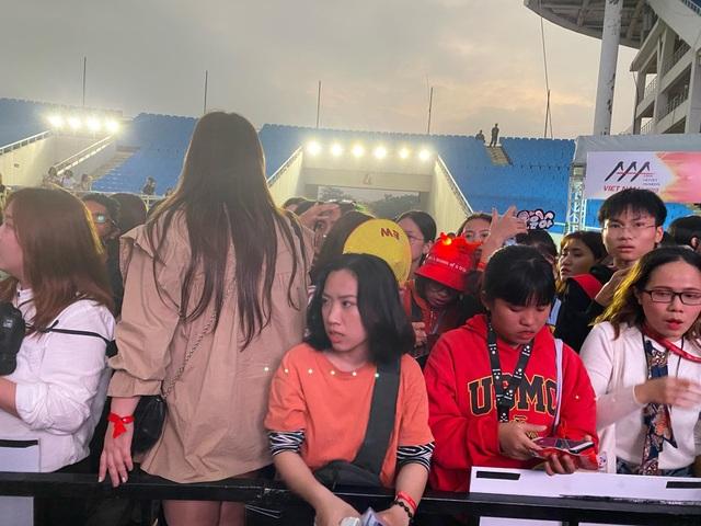 Lễ trao giải Nghệ sĩ châu Á gây tranh cãi vì hỗn loạn, Ban Tổ chức nói gì? - 2