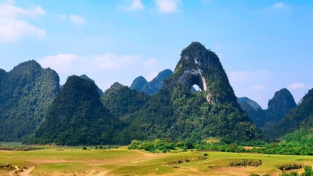 Dân phượt phát sốt với thung lũng tuyệt tình cốc đẹp quên lối về ở Cao Bằng - 1