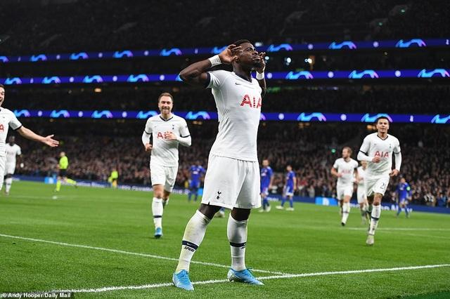 Bayern Munich đại thắng 6-0, Tottenham thăng hoa cùng HLV Mourinho - 14