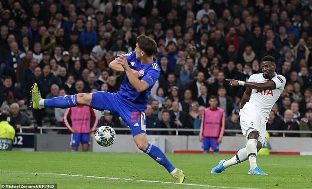 Bayern Munich đại thắng 6-0, Tottenham thăng hoa cùng HLV Mourinho - 15