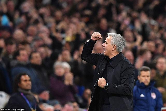 Bayern Munich đại thắng 6-0, Tottenham thăng hoa cùng HLV Mourinho - 17