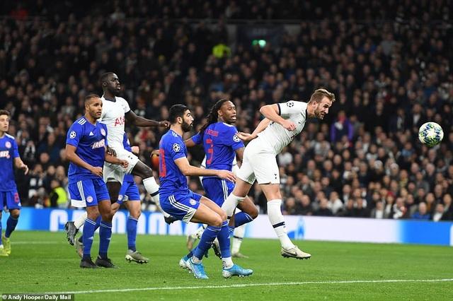 Bayern Munich đại thắng 6-0, Tottenham thăng hoa cùng HLV Mourinho - 18