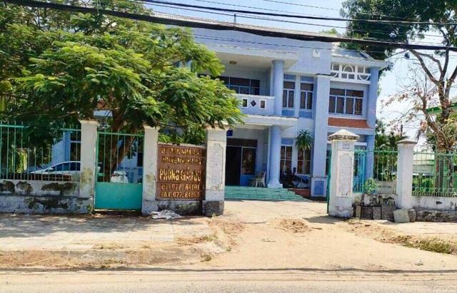 Trưởng Phòng Giáo dục bỏ ngoài sổ sách hàng trăm triệu đồng - 1