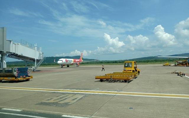 Máy bay bị móp mũi che ra đa thời tiết, Thủ tướng chỉ đạo siết chặt flycam - 1